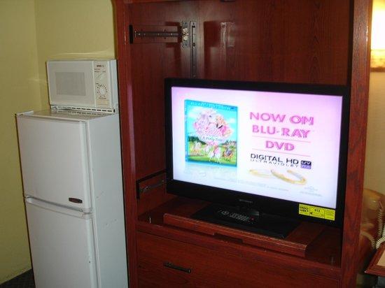 Winslow Inn: Closeup of TV and Fridge and Microwaive