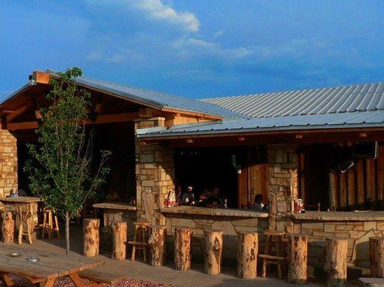 Whitewater Bar & Grill: Relaxing spot at the White Water Bar & Grill