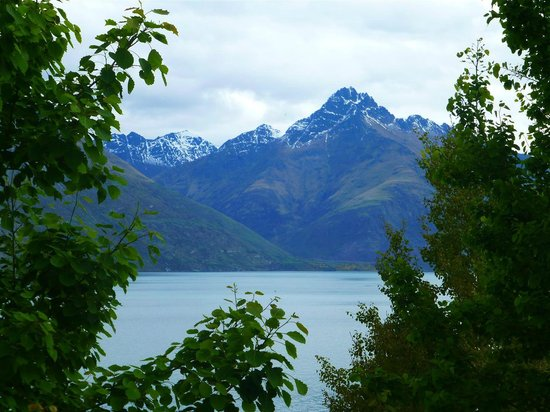 Heritage Queenstown : View of the lake and mountains from the hotel grounds.