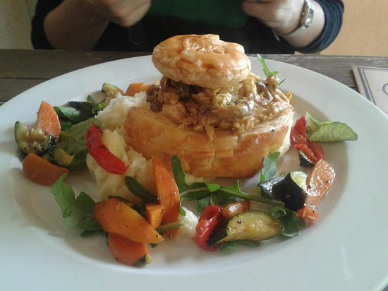The Goatshed at Fairview: Best R86.00 ever spent on a pie!