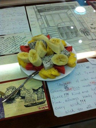 Finnegans Hotel: welcome fruit plate