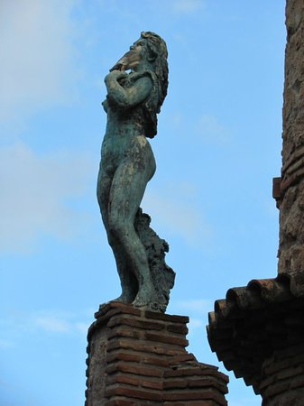 Castillo de Colomares : El Castillo Monumento de Colomares