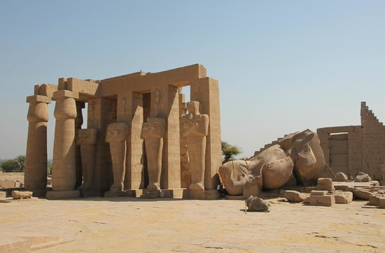 Ramesseum (Mortuary Temple of Ramses II): The giant fallen statue of Ramesses