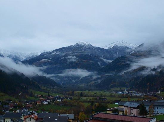 Tauernstern Natural Active Hotel: Вид на долину