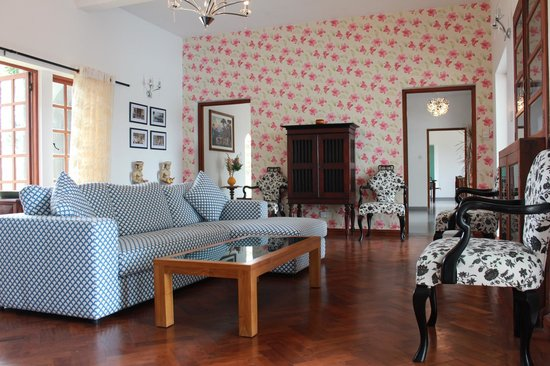 Elephant Stables : The Living Room