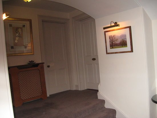 East Lodge Country House Hotel : Hallway to room 304