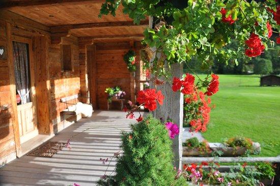 Les Fermes de Pierre & Anna : Entrance terrace