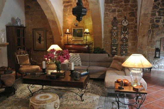 Casa Sonette : Communal lounge and TV room