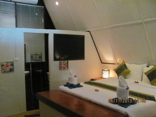 Milky Bay Resort: E1