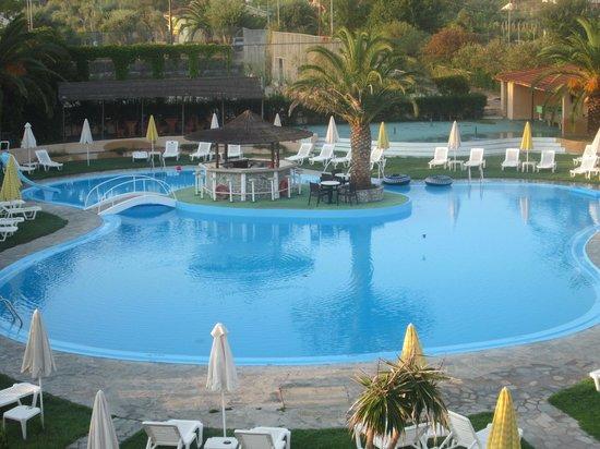 Pegasus Hotel: Κοντινή άποψη της πισίνας