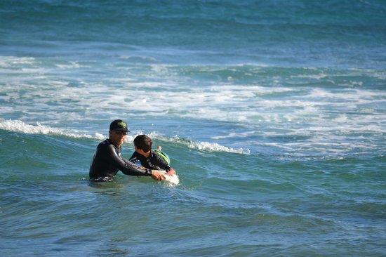 Kauai Surf School: Alan teaching how to read the waves