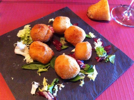 SAPORE Restaurante & Lounge Bar: Exquisitas croquetas caseras