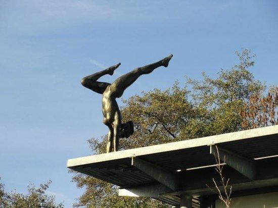 Bilderberg Kasteel Vaalsbroek: statue