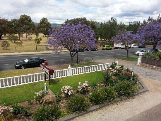 Princes Lodge Motel: Outside
