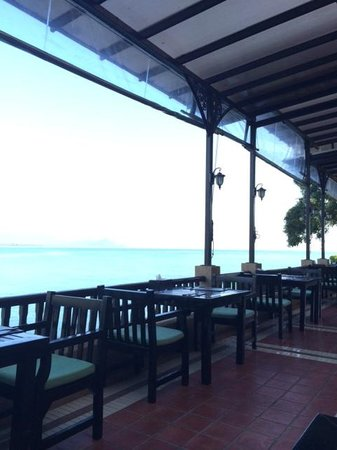 Racha Kiri Resort & Spa: Restaurant area