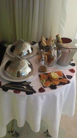 Seven Hotel Paris: diner dans la suite ( la sublime)