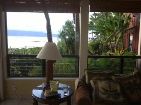 Kahana Village : living room