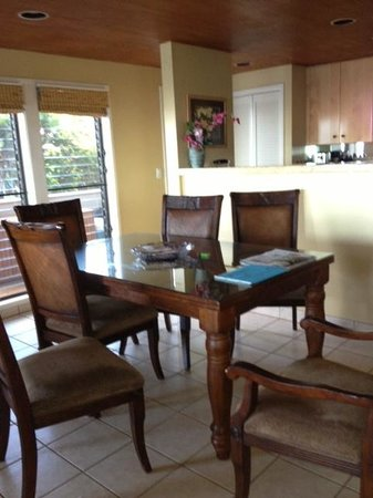 Kahana Village: dining room