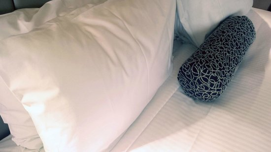 Stamford Plaza Adelaide: Love the little pillow