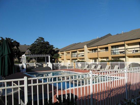 Quality Inn & Suites Pensacola Bayview: la piscine