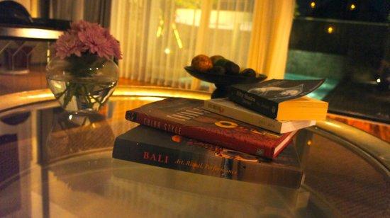 Berry Amour Romantic Villas: Readings provided!