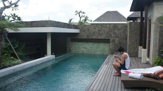 Berry Amour Romantic Villas: villa pool