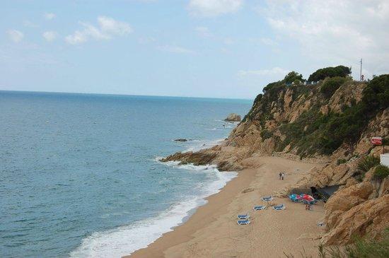 Hotel Mar Blau: Пляж Калельи