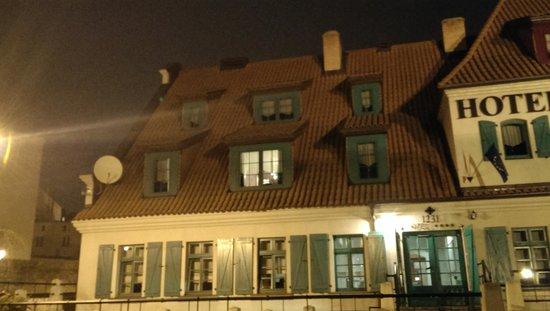 1231 Hotel : Jesienny wieczór