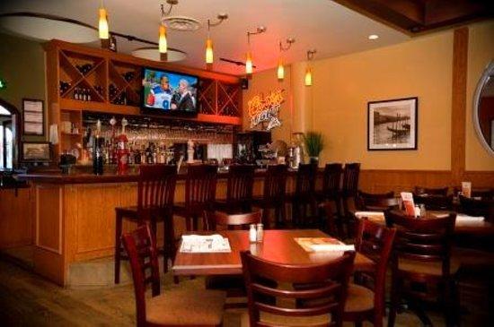 Restaurant mikes drummondville 524 boul st joseph for Club piscine boucherville