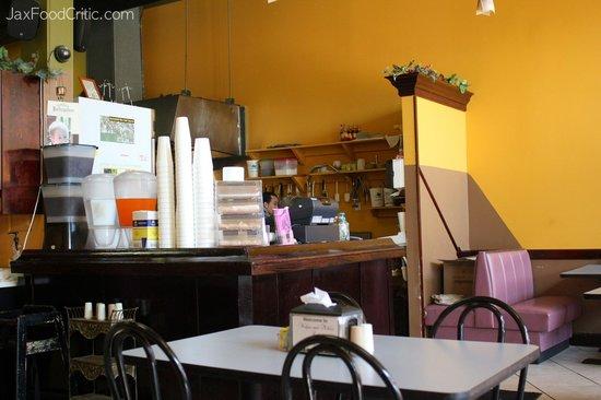 The 10 best restaurants near les jardins du cap a l 39 aigle for Restaurant le jardin du cap