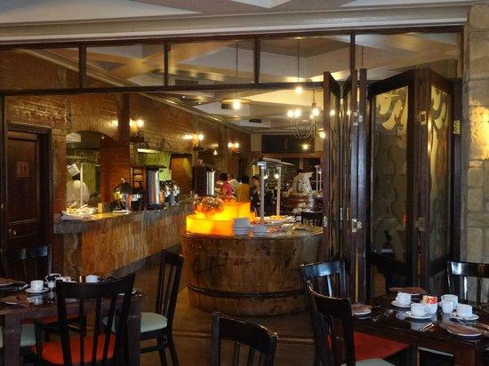 Centurion Lake Hotel: レストラン