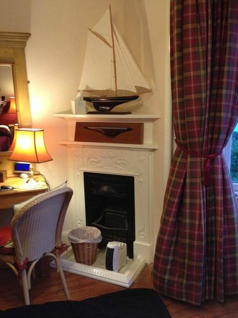Wellpark Hotel: Fireplace in bedroom (decorative)