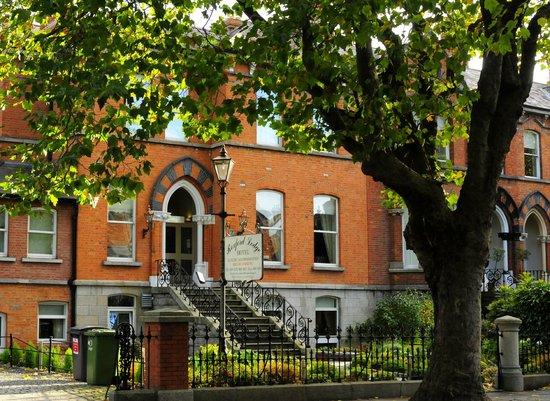 Roxford Lodge Hotel: Случайно забронированный в booking.com отель оказался по домашнему милым, уютным и гостеприимным