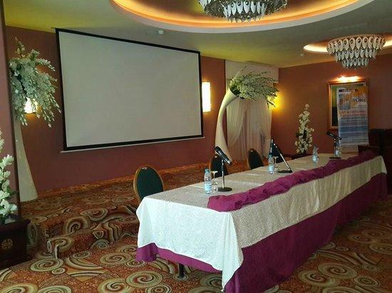 Hotel Oasis : la salle de conférence SIDI BOUMEDIANE