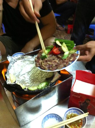 Bo Nuong Xuan Xuan: putting our meat on!