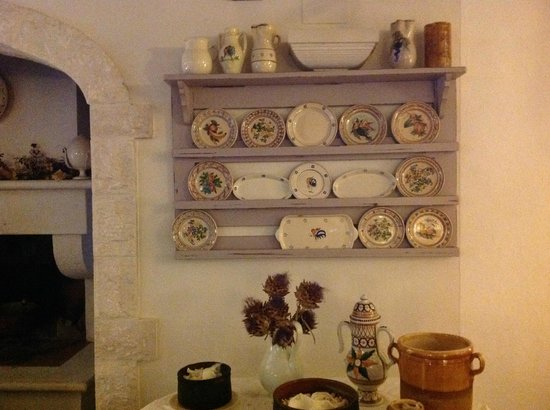 Masseria Salinola: dining room
