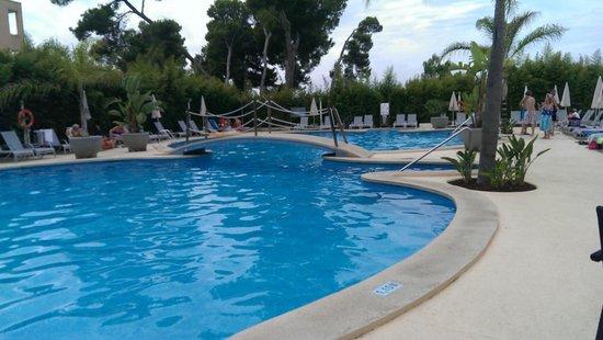 Hotel JS Alcudi-Mar: Piscina