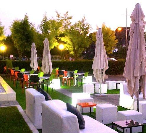 Restaurant Diego-La Terrassa by Sonia: Terraza Chill-out-La Terrassa by Sonia