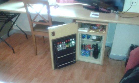 Catalonia Albeniz : Холодильник-бар
