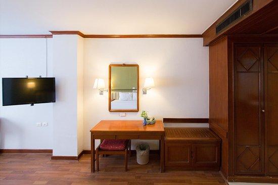 Check Inn Regency Park: Newly Renovated Rooms