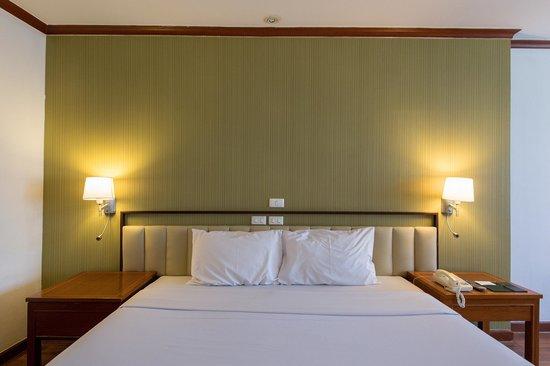 Check Inn Regency Park: Newly Renovated room