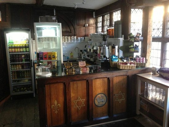 Pilgrims Refectory: Main Counter