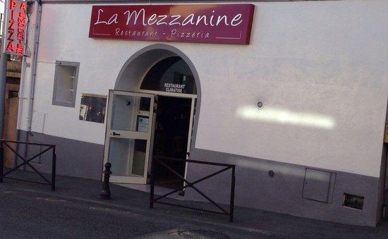 La Mezzanine : Très bon resto dans lequel vous pourrez trouver de bons plats mais aussi de très bonnes pizzas e
