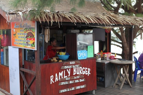 Tioman Paya Resort: overall look of that stall