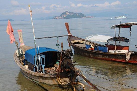 GLOW Elixir Koh Yao Yai: Jest mała przystań rybacka