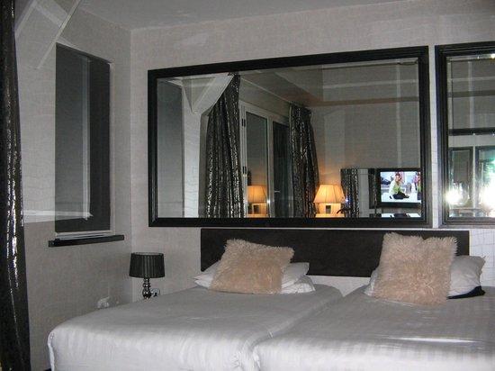 The Suncliff Hotel: Very Swish!