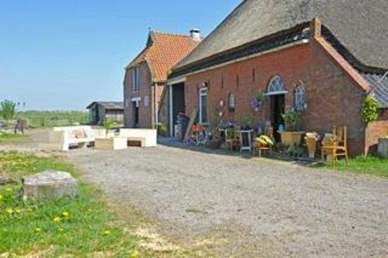 De Oude Boerderij : De achterkant van de boerderij foto van de oude nadorst