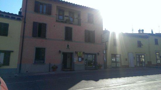Locanda Il Gallo : View from parking