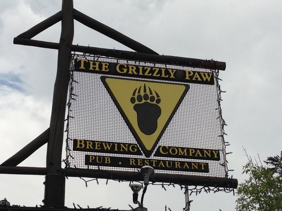 The Grizzly Paw Brewing Company : The famous sign