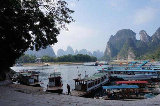 Xingping Our Inn: XingPing harbour